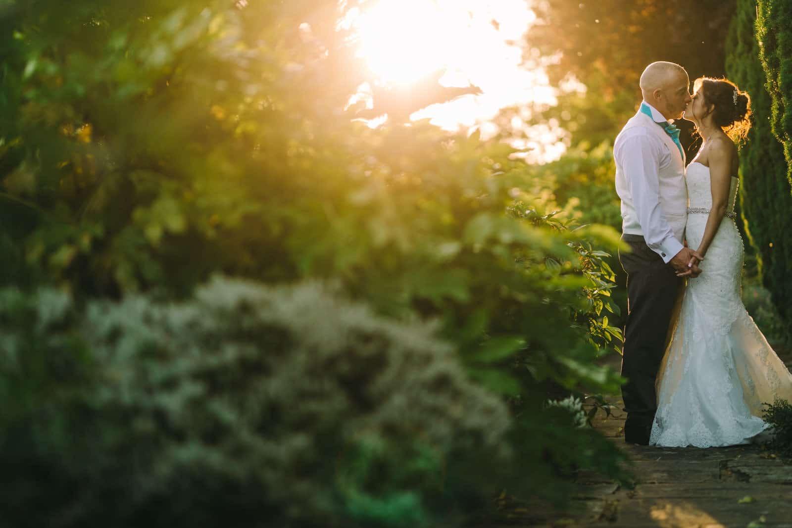 golden hour wedding photography at horwood house wedding venue in milton keynes